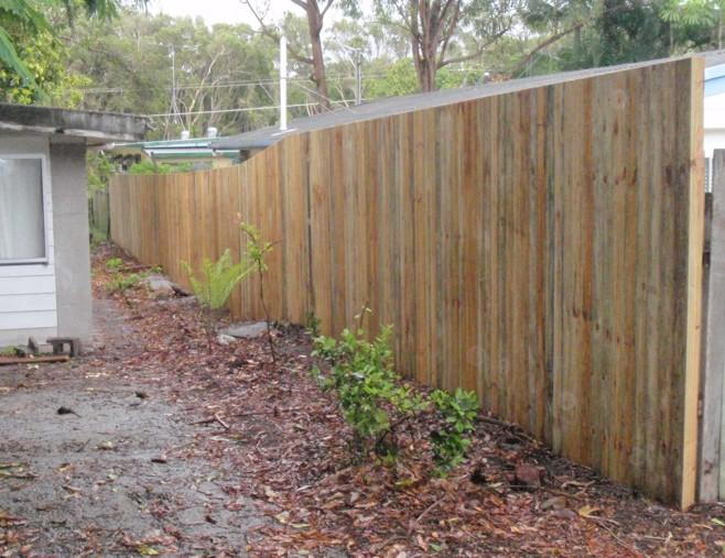 Timber Fencing Contractor Peregian Beach Brisbane